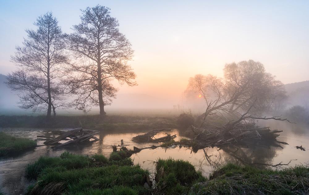 Sonnenaufgang im Sinntal 20170414-5650