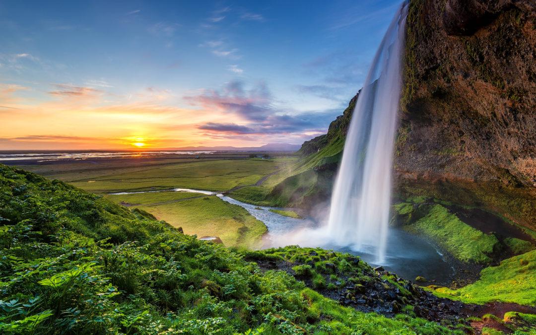 Island während der Mitternachtssonne